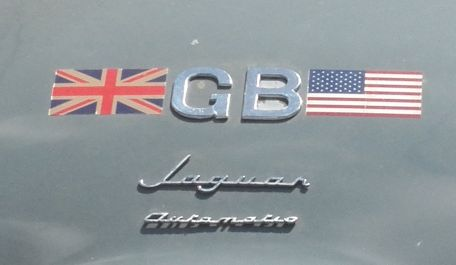 pic007 Jaguar Mark IX Rear logo