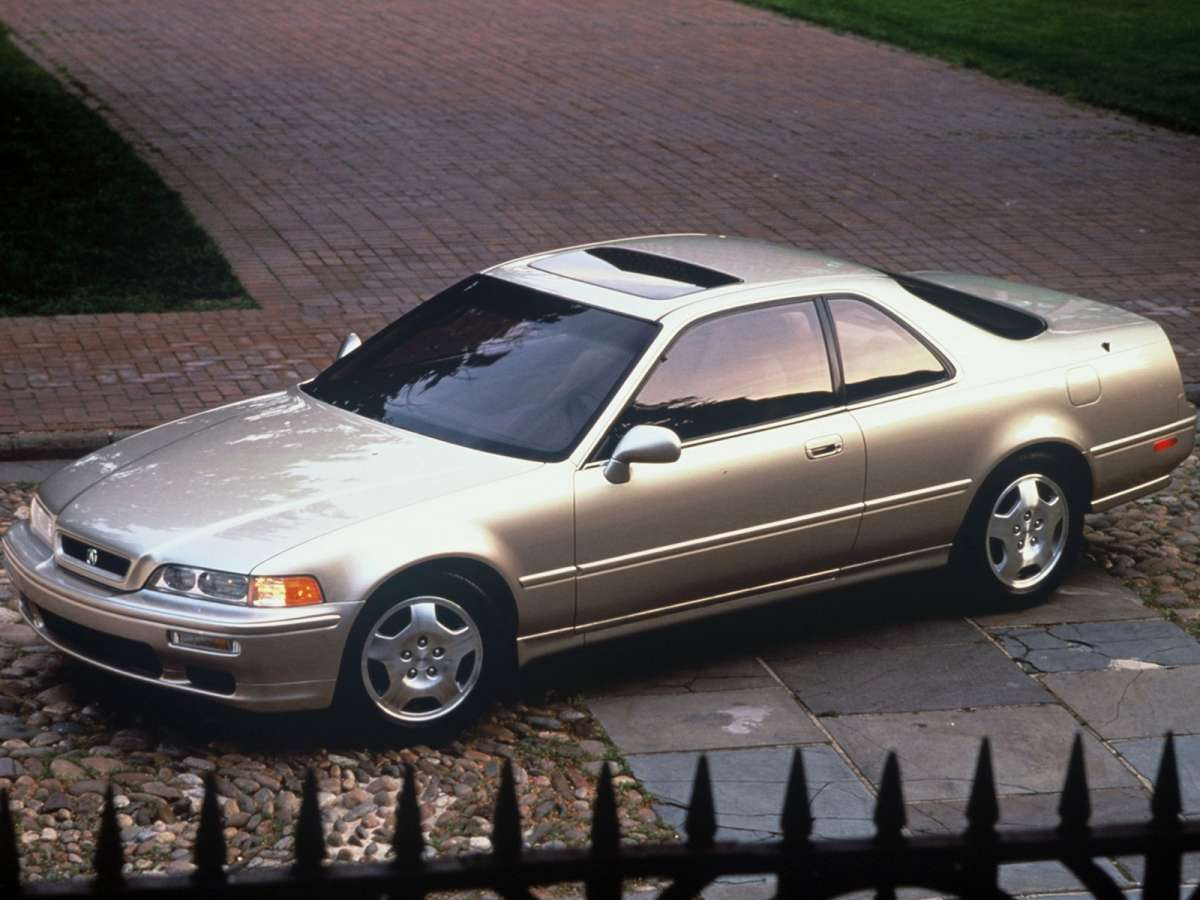 Nineteen ninety three brought a higher output version of the 3 2 and standard six speed manual to all coupes making an additional 30 horsepower