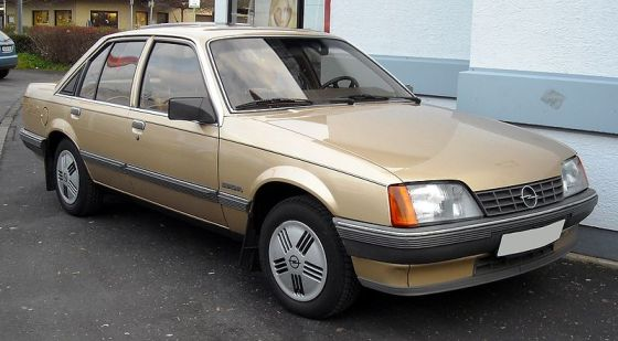 Opel Rekord_E2_front_20081127