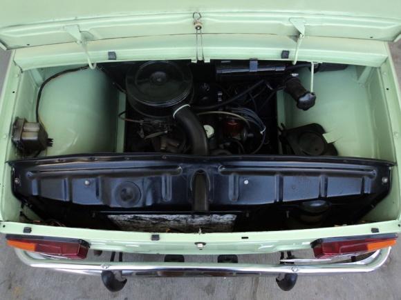 Renault R8 engine