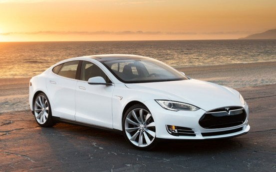 Tesla Model-S-white-front-right-view-1024x640