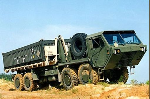 M977A2_HEMTT_Oshkosh_truck_mobility_tactical_cargo_truck_United_states_US-army_001