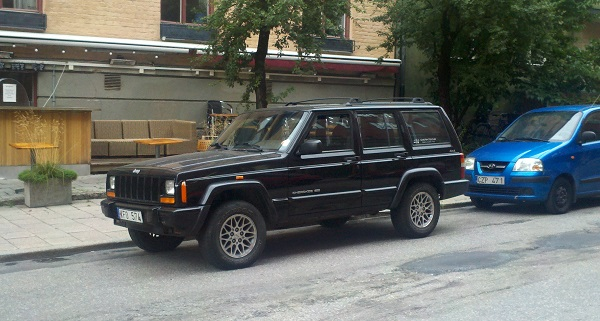 cc global jeep cherokee the american global classic Jeep XJ Custom Paint the worldwide success of the cherokee is especially evident in sweden a country where sport utility vehicles are popular and where american cars have some
