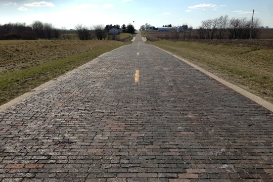 Original alignment of US 66 near Auburn, Illinois