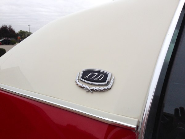 2013_71fordltd_badge