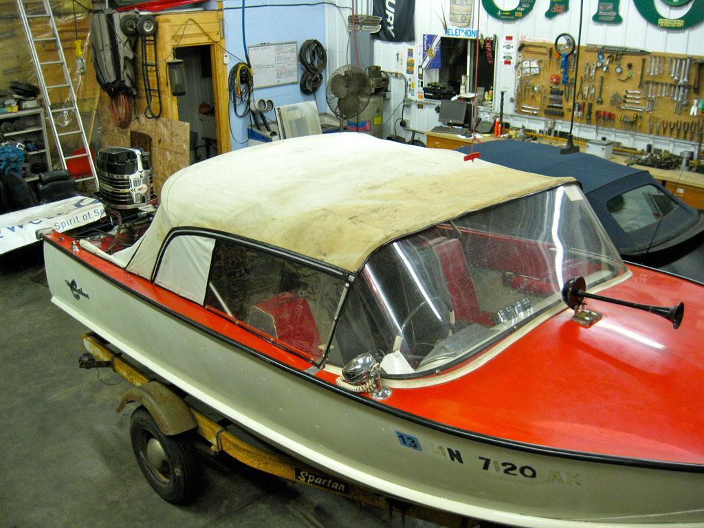 Dockside Classic 1963 Crestliner Flying Crest Cruisin The Lakes