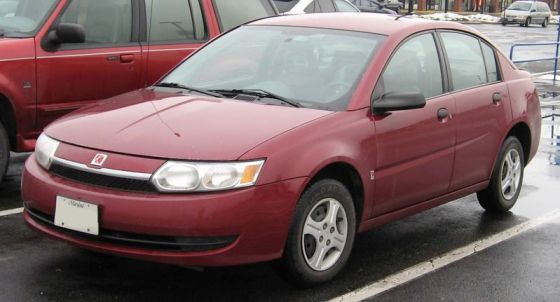 800px-03-04_Saturn_Ion_sedan
