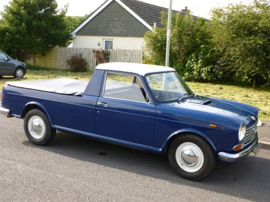 Austin 1800 ute blue