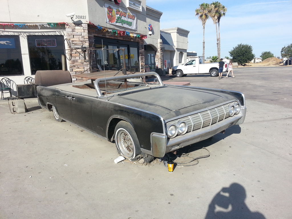 cohort sighting 1964 lincoln continental grill as in bbq grill. Black Bedroom Furniture Sets. Home Design Ideas