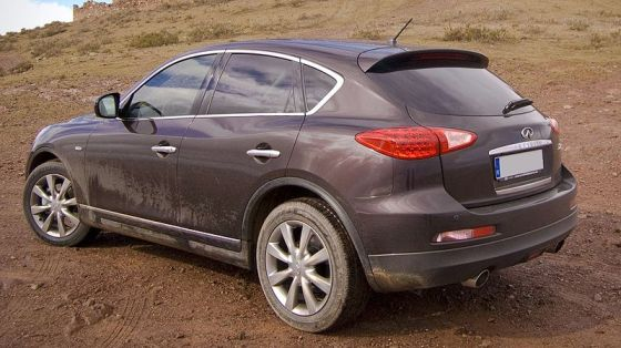 800px-INFINITI_EX37_rear David Villarreal Fernandez