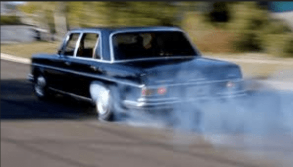 Mercedes 300SEL 6.3 burnout