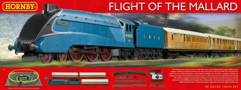hornby-r1171-flight-of-the-mallard-train-set-with-lner-class-a4-4-6-2-mallard-steam-locomotive-3-teak-coaches_-9114-p