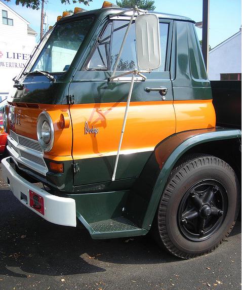 Dodge L700 side