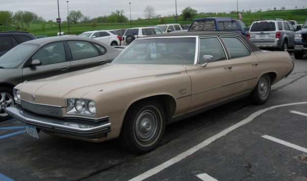 1973BuickLeSabre03
