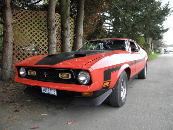 Red 1972 Mustang Mach 1 _10