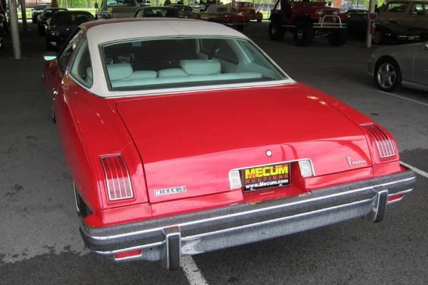 1975 Pontiac LeMans b