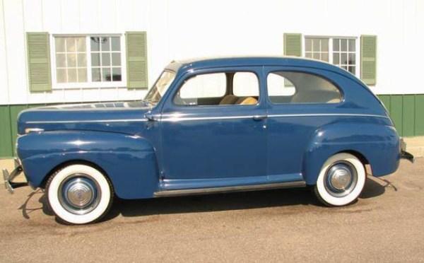 Ford 1941 DeLuxe Tudor Sedan