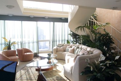 Lavish-Living-room-with-80s-style-with-White-and-Beige-Sofa-Furniture-Design-Ideas