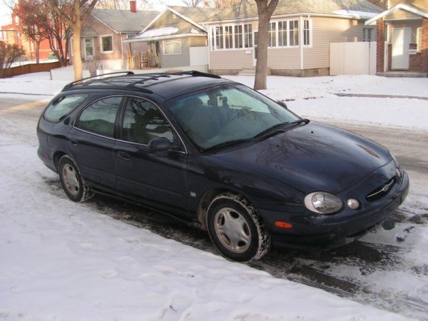 Ford Taurus in snow