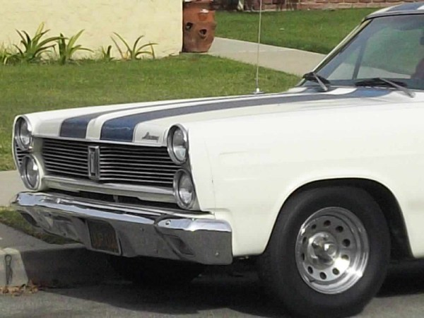 1967 Mercury Comet Front detail view