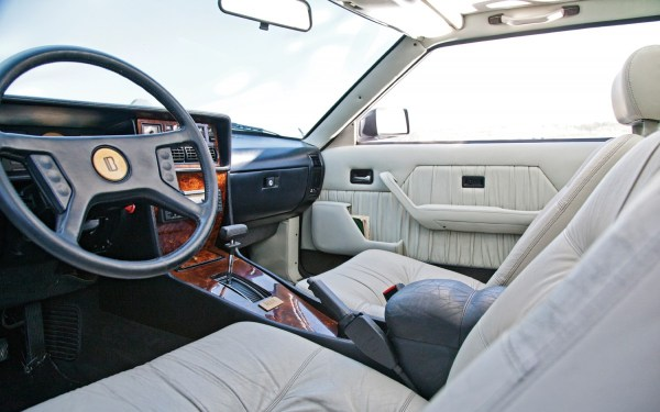 1985-bitter-sc-3-9-coupe-front-interior