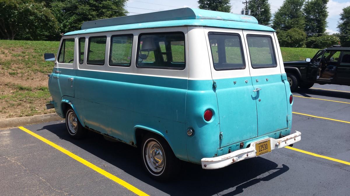 CC Outtake: Ford Econoline Travel Wagon – The American