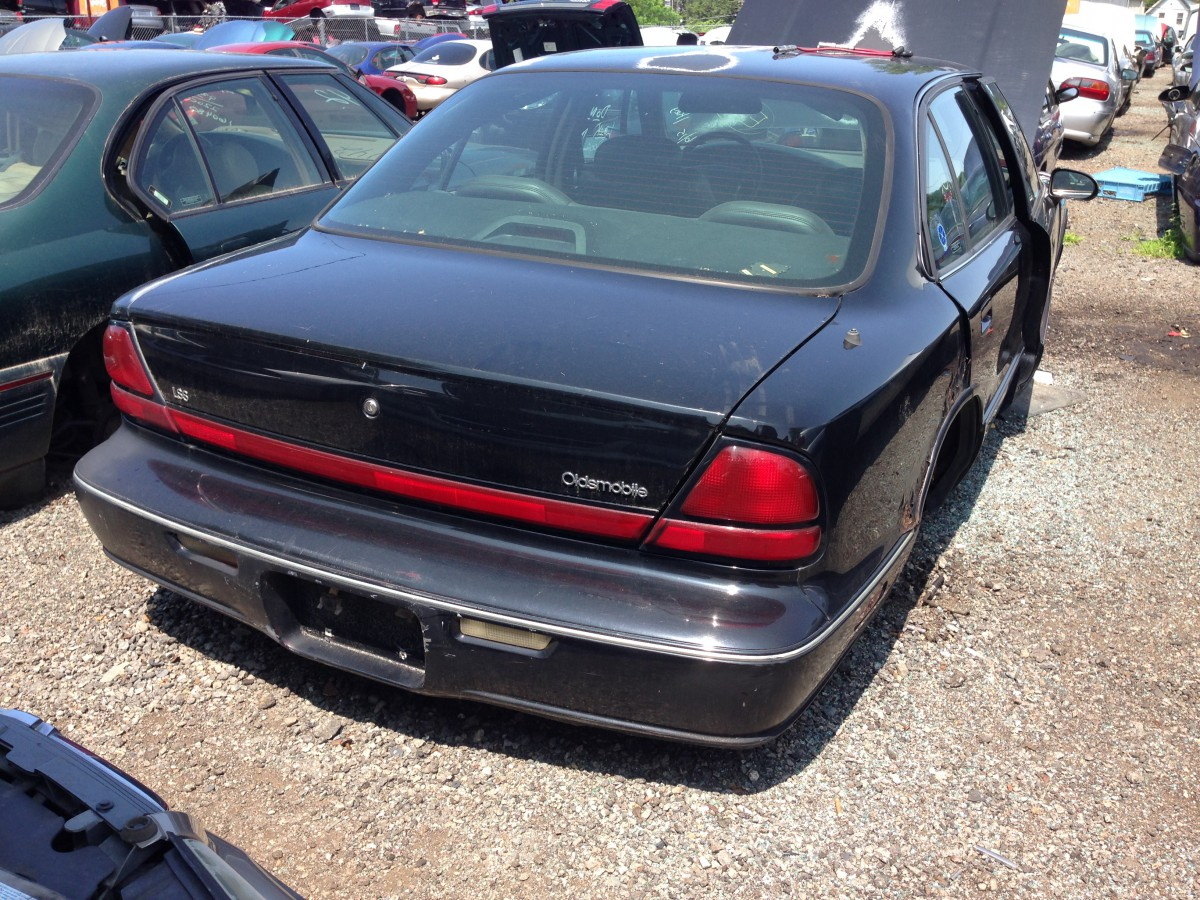 Junkyard Classic 1996 Oldsmobile Lss Still Your Fathers 1992 88 Royale Parts Img 4958