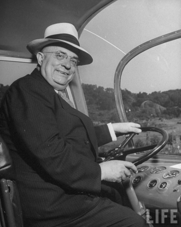 Kaiser bus 1946 HJK
