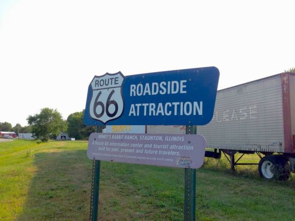 RR_roadsideattraction
