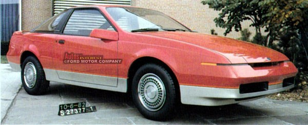 1982-SN8-Mustang-model-front-right