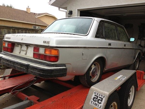 1984 Volvo 244 GLE rear 1