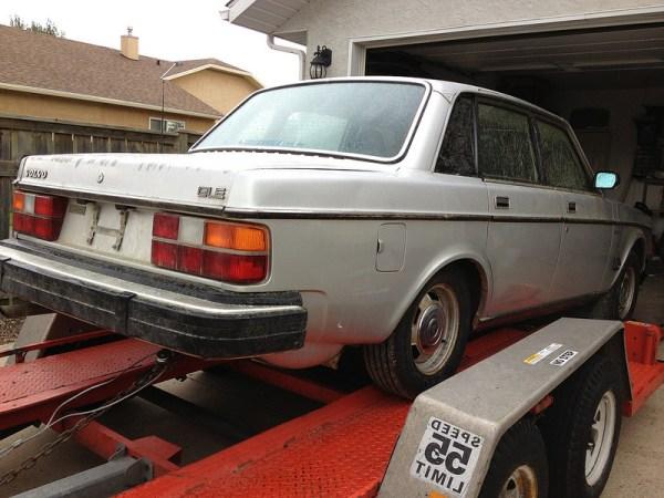 1984 Volvo 244 GLE rear 1