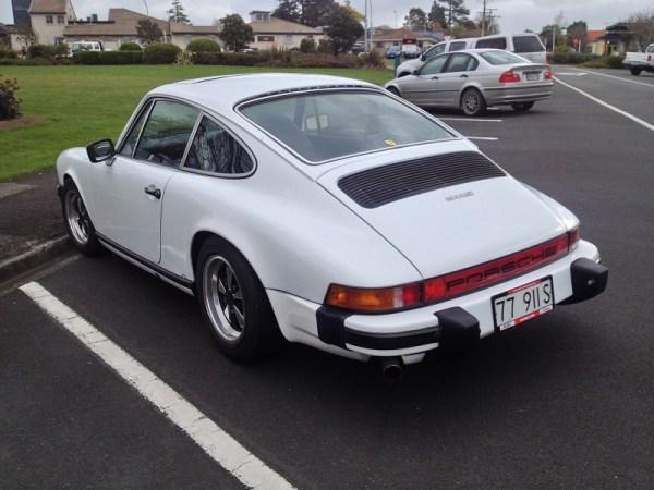 1977 Porsche 911S white bl