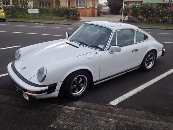 1977 Porsche 911S white fl