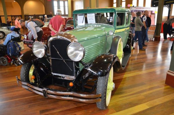 1929 Marmon 78 sedan