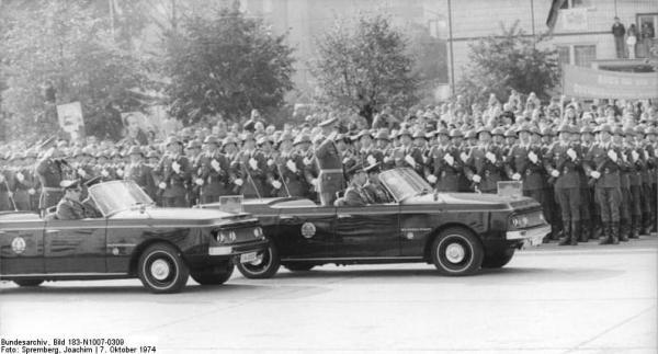 Berlin, 25. Jahrestag DDR-Gründung, Parade