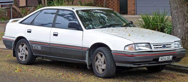 800px-1987-1989_Ford_Telstar_TX5_(AT)_Ghia_hatchback_03