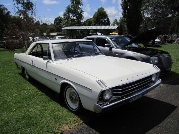 Chrysler_Valiant_VF_Hardtop