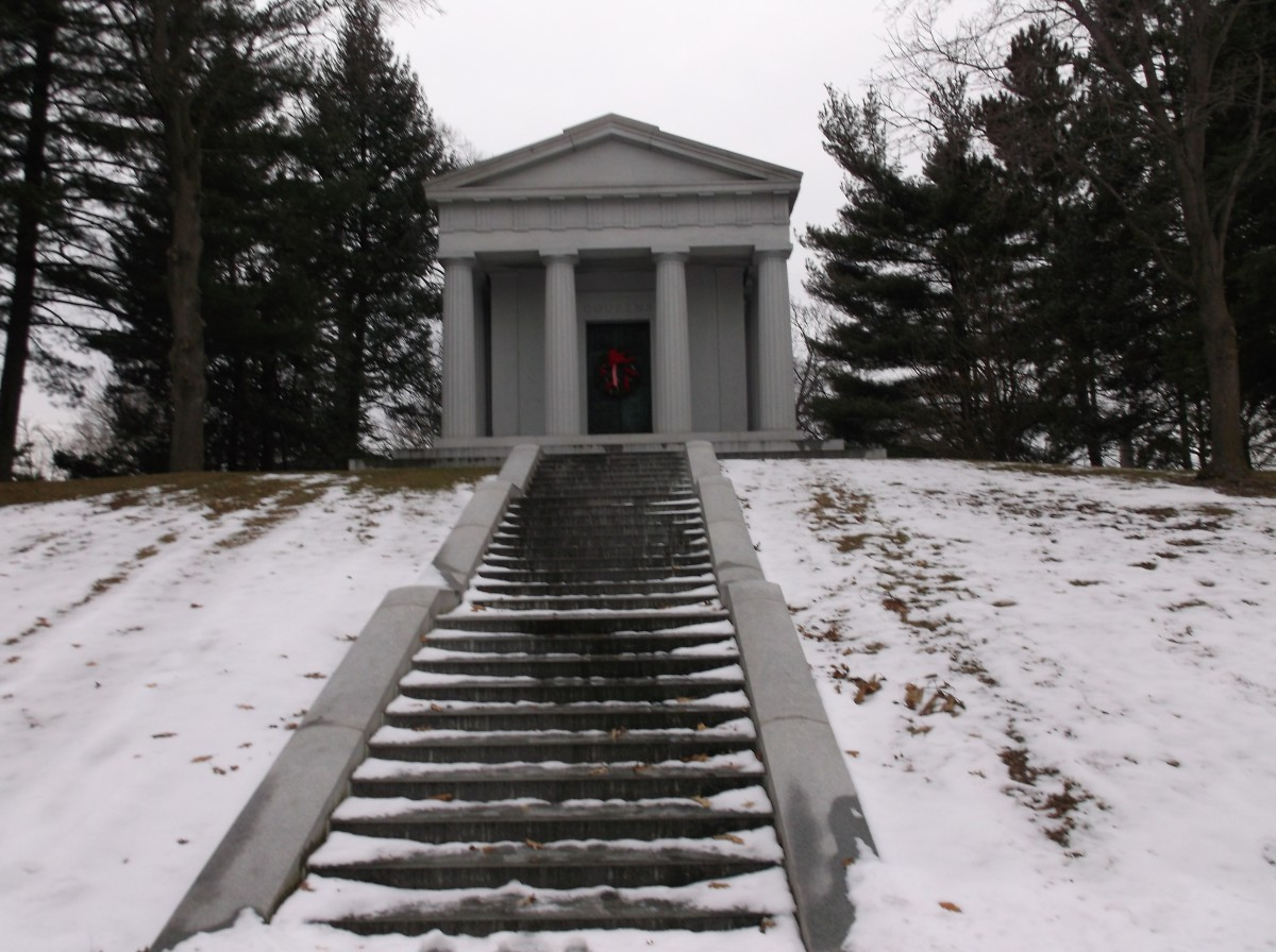 Benson Ford House Graveside Classics Auto Magnates And A Gloomy Day On Woodward Avenue