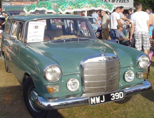 1966 Mercedes-Benz 230 Universal_4