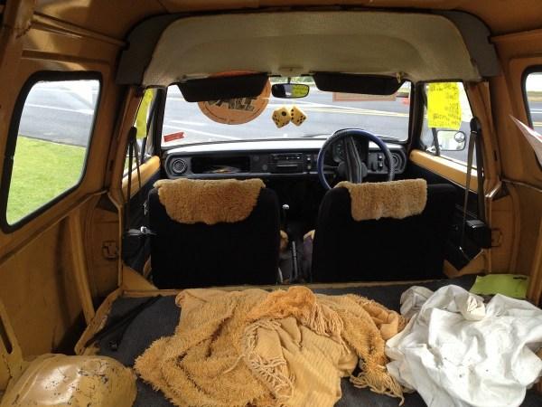 1980 MORRIS Marina can orange interior b