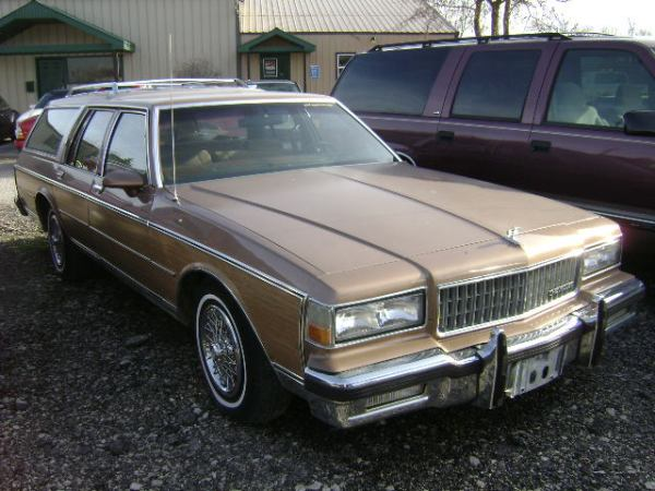246-1988_chevy_caprice_wagon_tan_vin1920-b