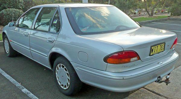800px-1996-1998_Ford_EL_Falcon_Futura_sedan_08