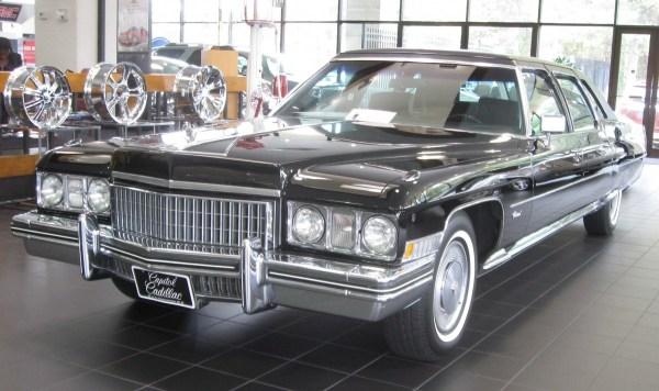 Cadillac_Fleetwood_--_10-30-2009