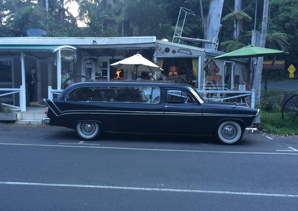 Chrysler AUS Royal hearse side 800