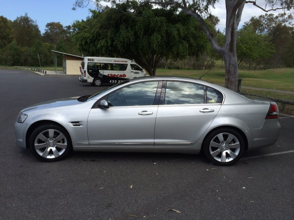 2007 holden calais ve v (1)