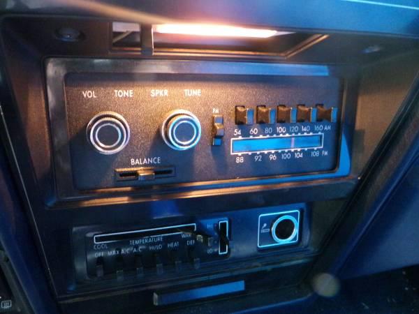 Dodge 1979 St Regis radio