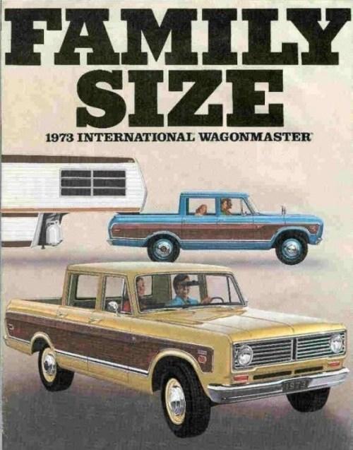 IH 1973 International_Travelall_Wagonmaster_1