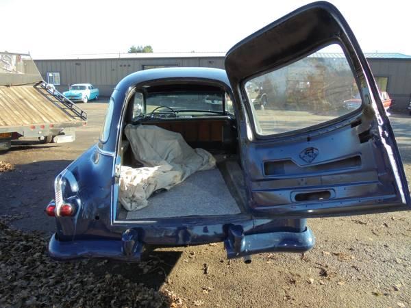 Packard 1953 hearse load