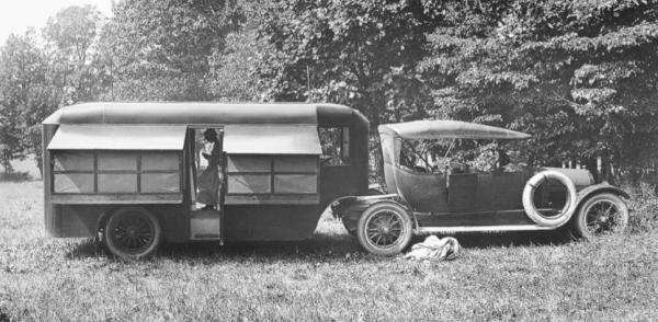 RV adams-motor-bungalow-1917-Glenn-Curtiss-museam-e1401922536313